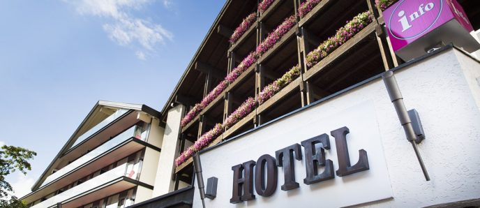 Alpenhotel fall in Love Frontansicht